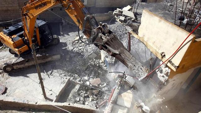 İsrail, Filistinlere ait evleri yıktı