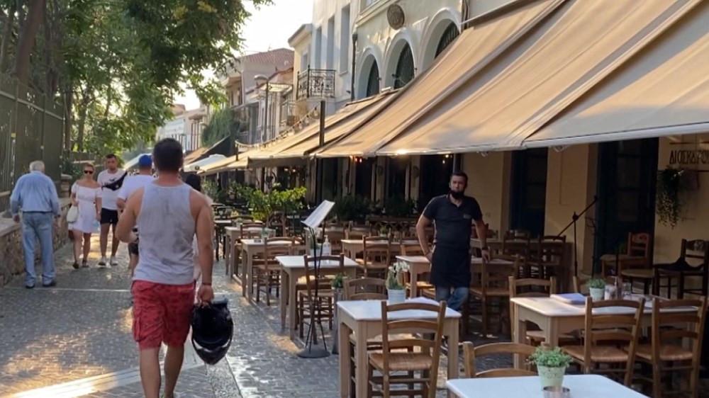 Yunan işletmeciler Türklerin yolunu gözlüyor: Çok nazik ve iyi harcıyorlar