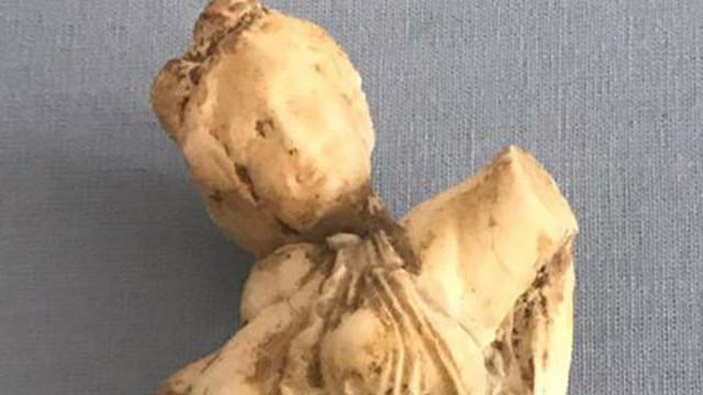 Roma dönemine ait kadın heykeli jandarma ekipleri tarafından ele geçirildi