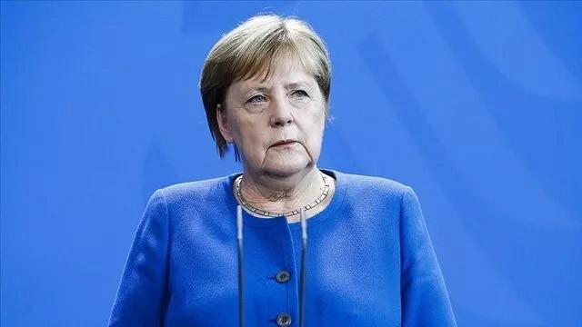 Merkel'den Türkiye ve Yunanistan'a çağrı