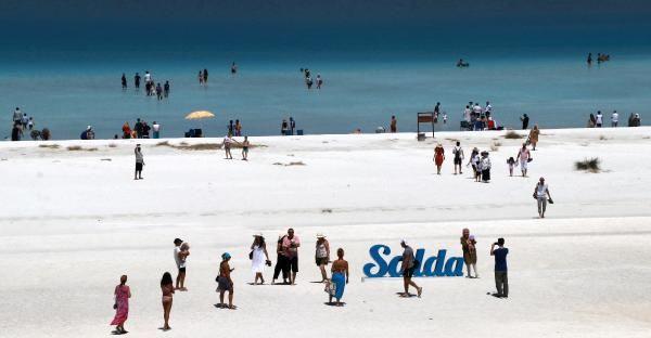 ''Türkiye'nin Maldivleri'' Salda Gölü'ne ziyaretçi akını
