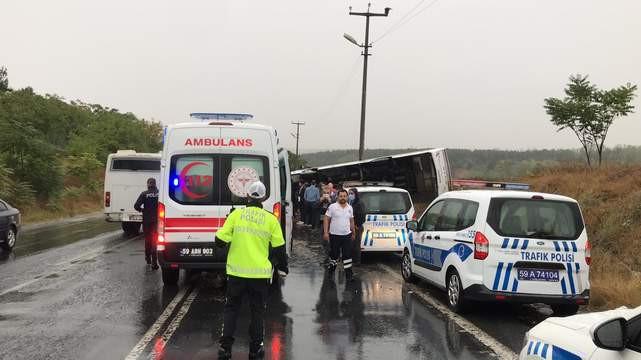Tekirdağ'da işçi servisi devrildi: Yaralılar var