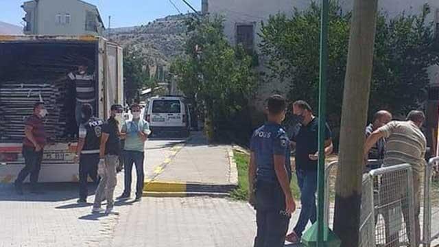 Burdur'da bir mahalleye koronavirüs karantinası
