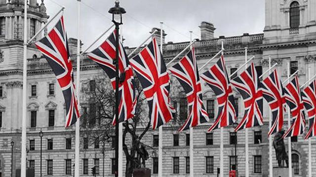 İngiltere koronavirüste güvenli ülkeler listesini güncelledi
