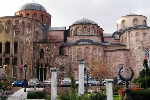 İstanbul'da bir tarihi cami daha ibadete açıldı