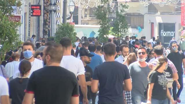 Vaka artışına rağmen Taksim Meydanı'nda korkutan kalabalık!