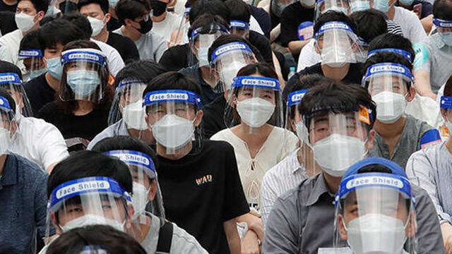 Güney Kore'de salgına rağmen grev yapan doktorlara büyük şok!