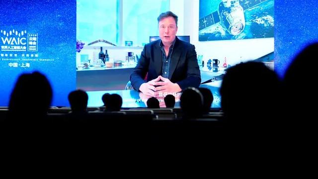 Elon Musk, microçip ile beyin kontrol edebilen cihazı tanıttı