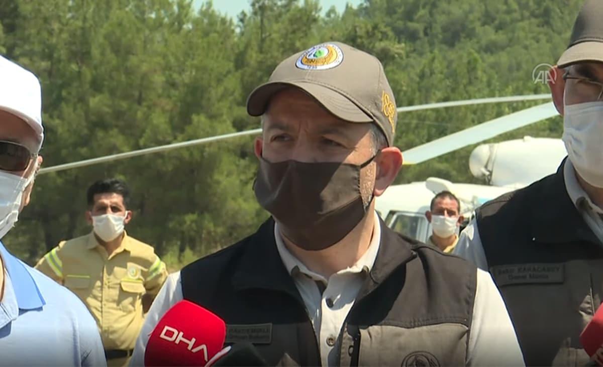 Bakan Pakdemirli: İzmir'deki yangınla ilgili 1 kişi gözaltına alındı