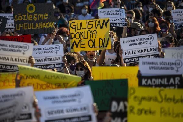 İstanbul'da yüzlerce kadın kadına şiddete karşı bir araya geldi