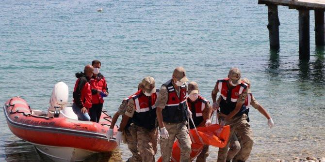 Van Gölü'nden 61 ceset çıkartıldı  Kaynak Yeniçağ: Van Gölü'nden 61 ceset ç