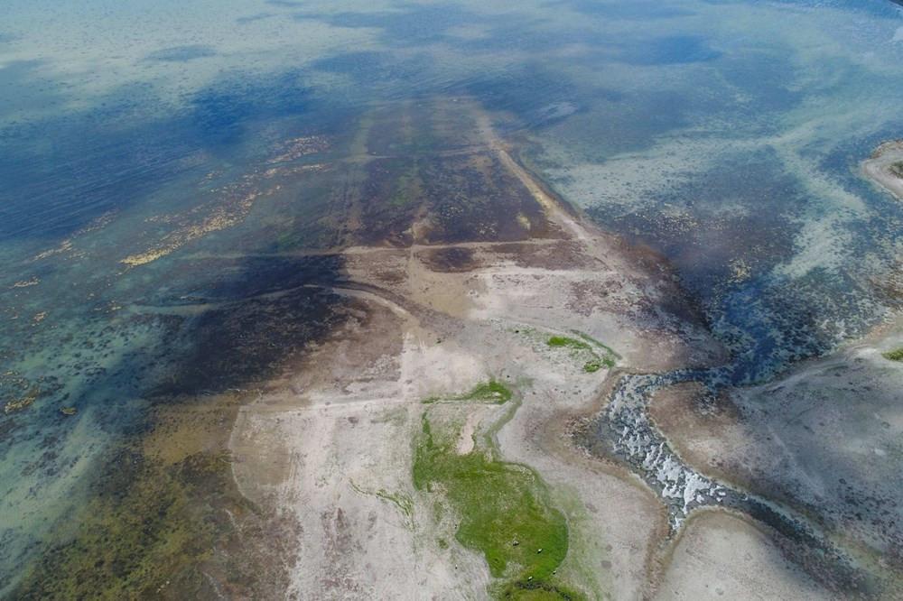 Büyükçekmece Gölü'nde kokutan görüntü: Su seviyesi düşüyor