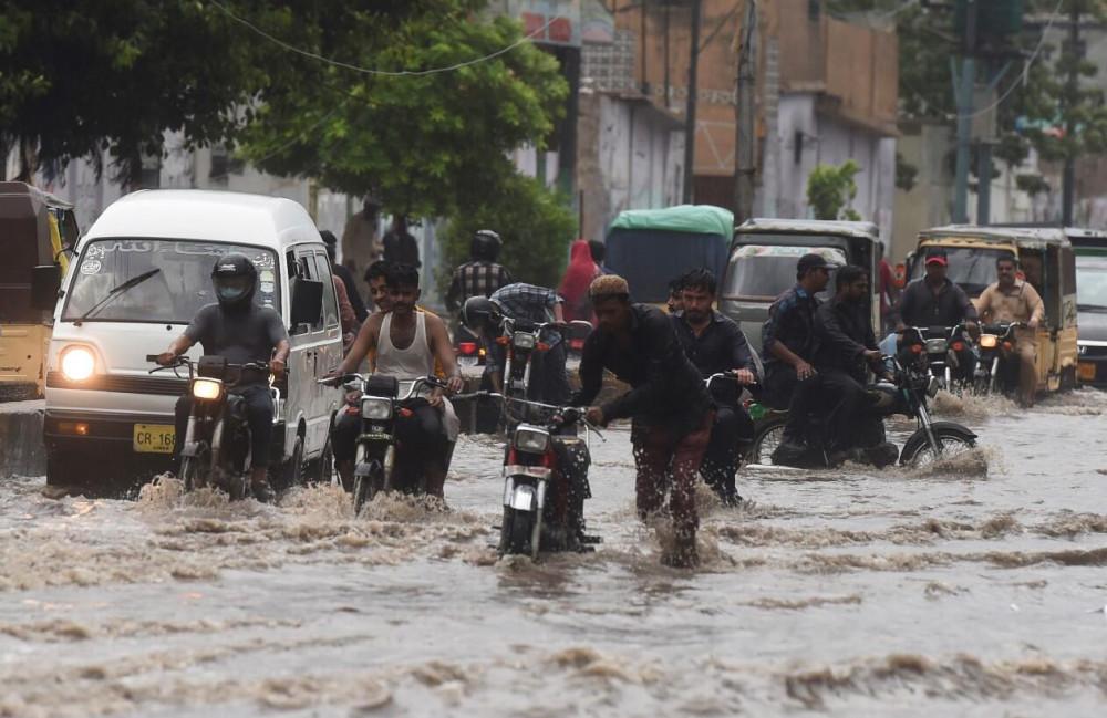 Pakistan'da sel felaketi: En az 57 ölü