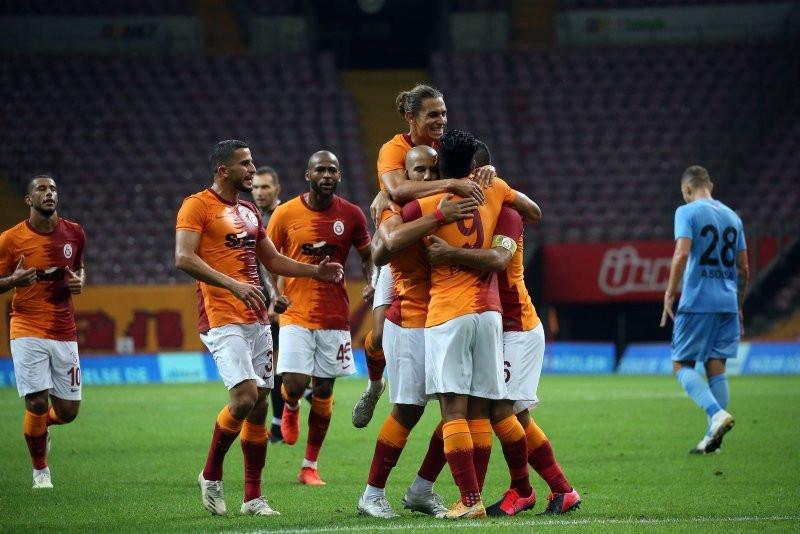 Dünya yıldızından Galatasaraylıları heyecanlandıran hamle