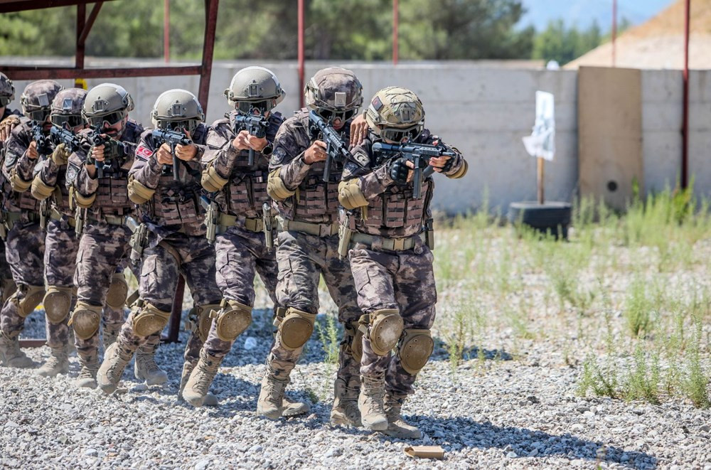 35 derece sıcakta zorlu eğitim! Yerli ve milli silahlar kullanıldı - Resim: 3