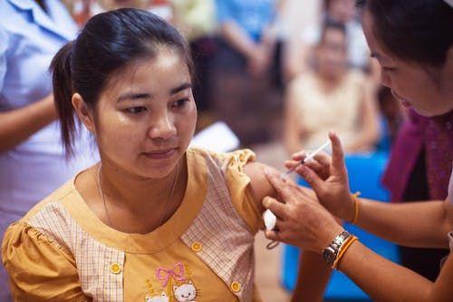 Grip ve zatürre aşısı koronavirüsten koruyor mu?