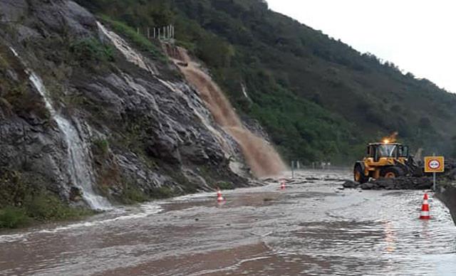 Meteoroloji uyarmıştı; şiddetli yağış bugün fena vurdu