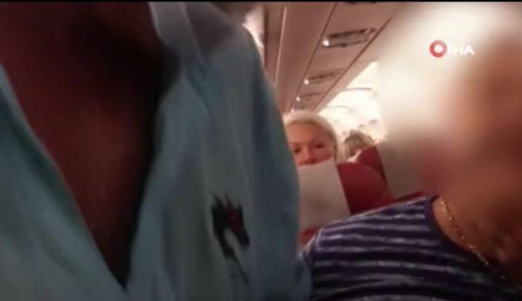 Antalya-Kazan uçağında ortalık karıştı