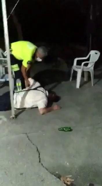 Alkollü hakim polislere saldırıp, küfür yağdırdı