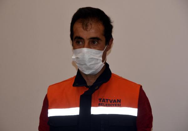 Sosyal medyanın konuştuğu temizlik işçisine bir maaş ikramiye