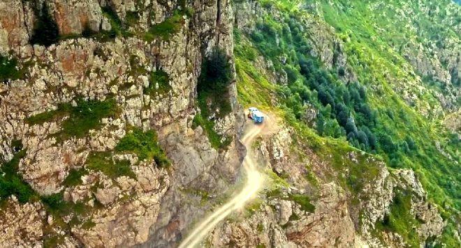 Türkiye'nin en tehlikeli yolu trafiğe kapandı