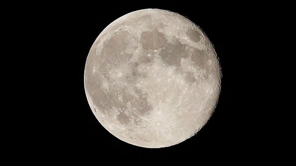 NASA, Ay'a iki astronot gönderecek! Yolculuk tarihi belli oldu