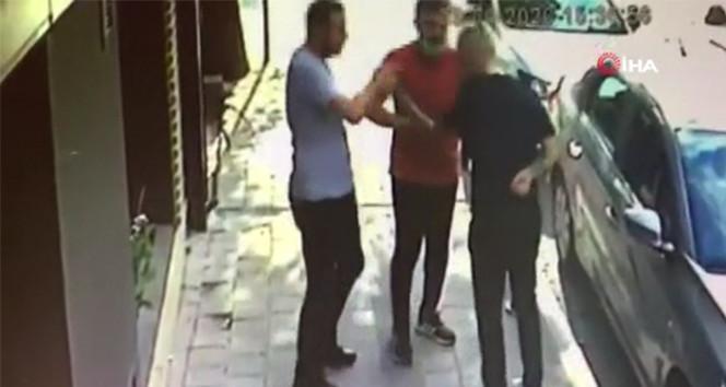 İstanbul'da silahlı ve bıçaklı kavga kamerada