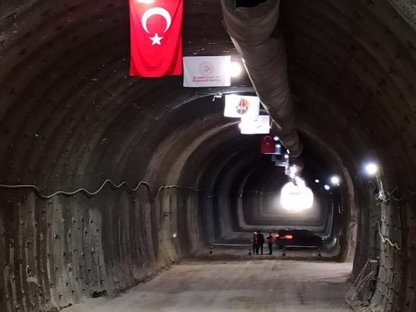 Kırkdilim Geçidi Tüneli'nde ışık göründü