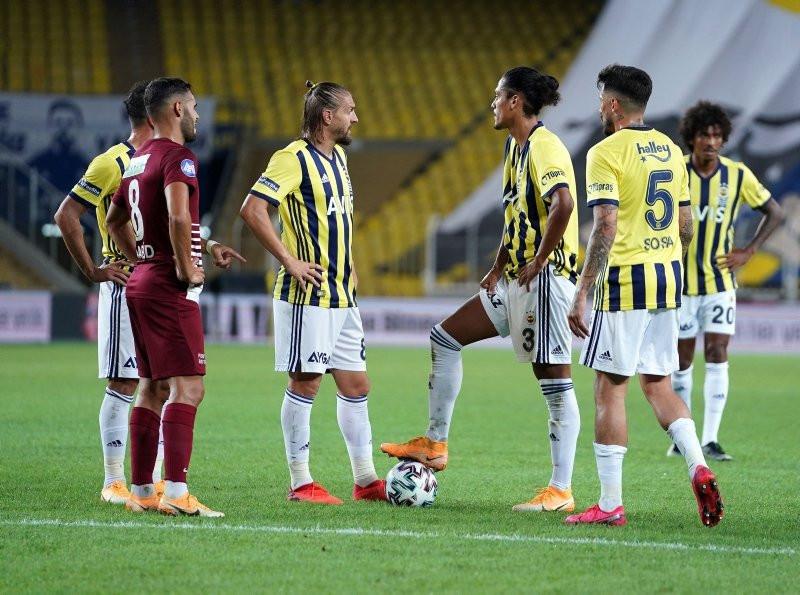 Fenerbahçe transfere doymuyor! Dev golcü geliyor...