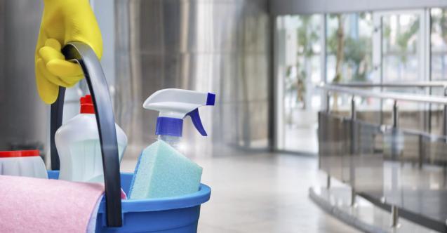 Rezalet! Veliler okula temizliğe çağırdı!