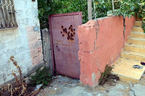 Gizemli kazının yapıldığı sokakta oturanlar yardım istedi