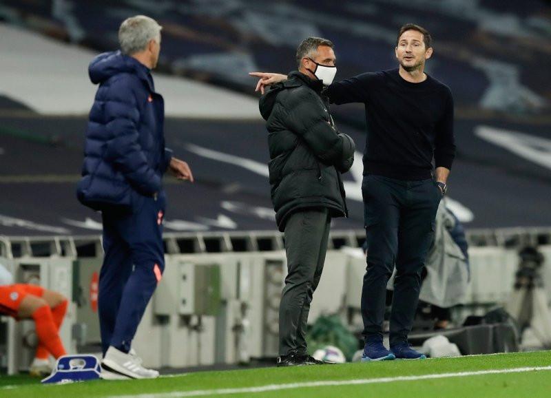 Mourinho ve Lampard saha kenarında tartıştı