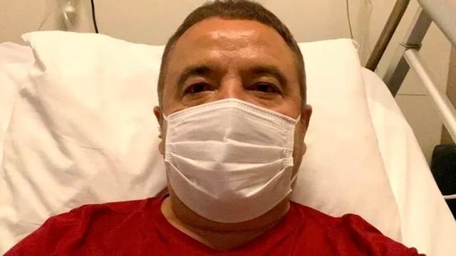 Koronavirüse yakalanan Antalya Büyükşehir Belediye Başkanı yoğun bakımda