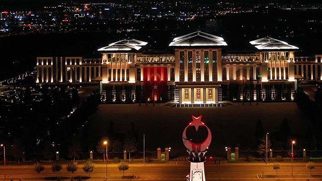 Cumhurbaşkanlığı'nda Bakanlık personeli aç kaldı!