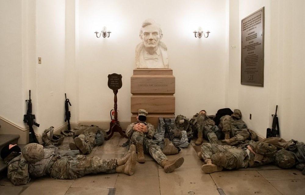 Dünya bu fotoğrafları konuşuyor: ABD askerinin Kongre nöbeti - Resim: 1
