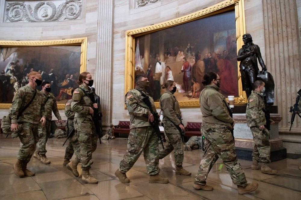 Dünya bu fotoğrafları konuşuyor: ABD askerinin Kongre nöbeti - Resim: 2