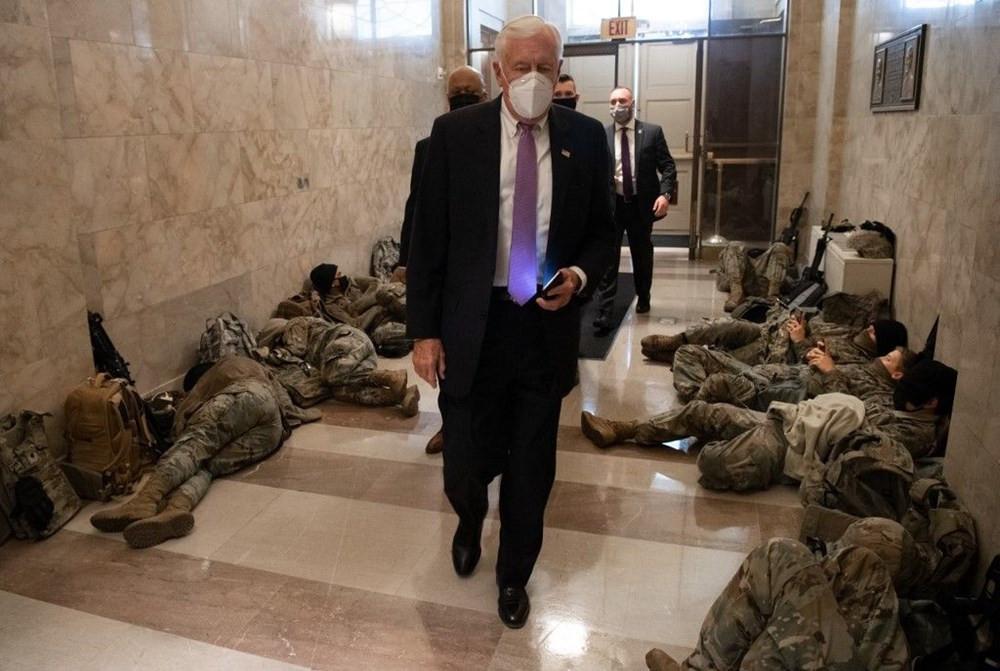 Dünya bu fotoğrafları konuşuyor: ABD askerinin Kongre nöbeti - Resim: 3