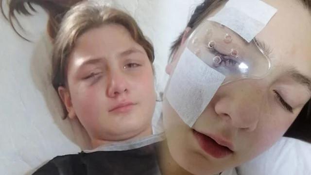 Babasıyla yastık savaşı oynayan kız hayatının şokunu yaşadı