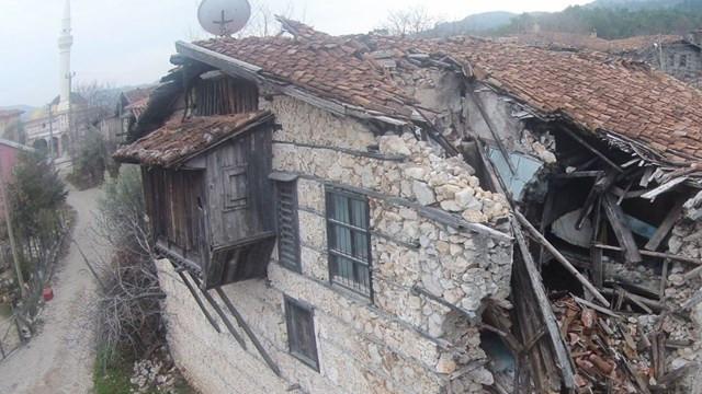 Koruma altındaki tarihi evler yok olma tehlikesi altında