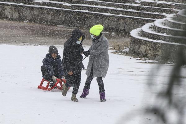 Ankara'da çocukların kar keyfi - Resim: 1