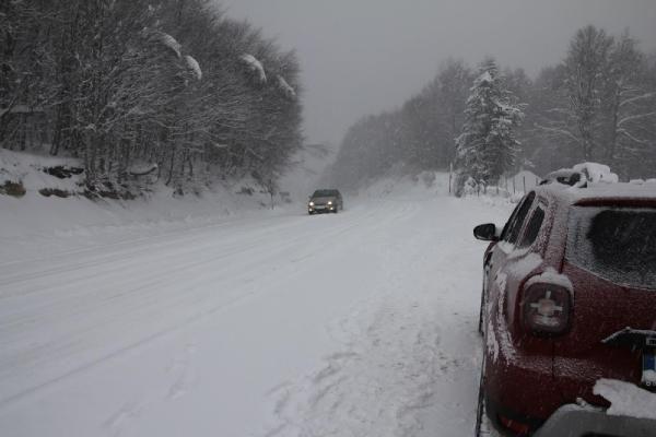 Domaniç'te kar yağışı ulaşımı aksattı - Resim: 3