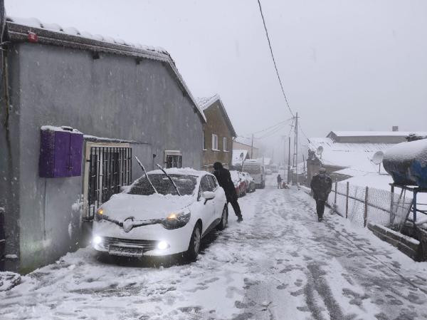 İstanbul beyaza büründü! İşte kentten kar manzaraları - Resim: 4