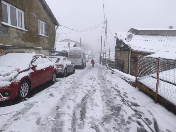 İstanbul beyaza büründü! İşte kentten kar manzaraları - Resim: 3