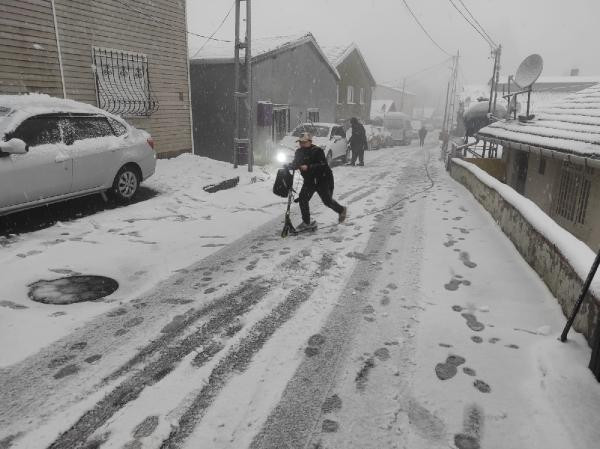 İstanbul beyaza büründü! İşte kentten kar manzaraları - Resim: 2