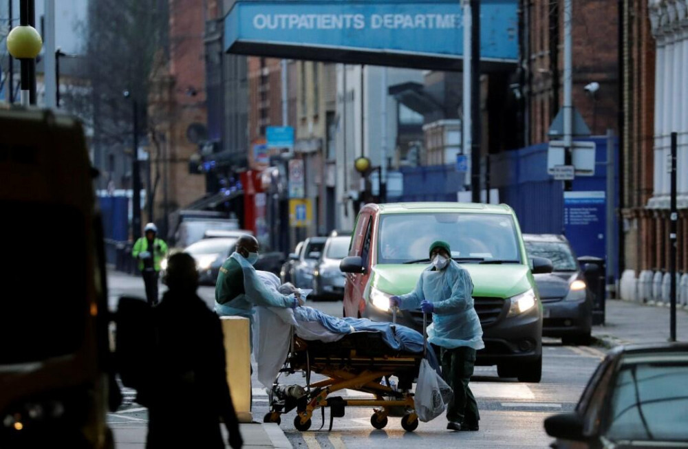 İngiltere'de durum vahim! 30 saniyede bir koronavirüs hastası geliyor - Resim: 2
