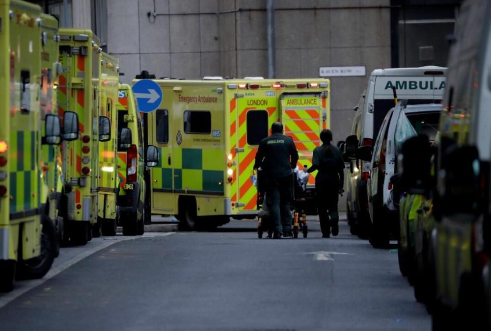 İngiltere'de durum vahim! 30 saniyede bir koronavirüs hastası geliyor - Resim: 4