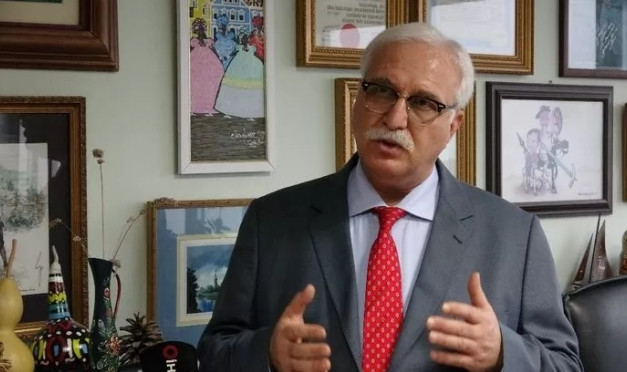 Bilim Kurulu üyesi Prof. Dr. Özlü'den aşı itirafı
