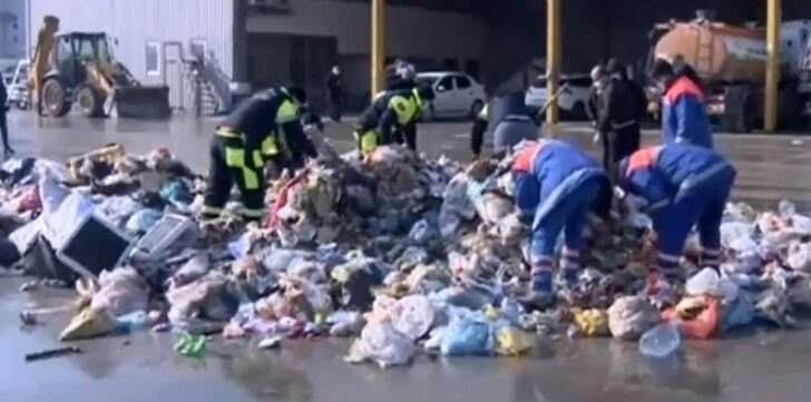 İstanbul'da ilginç olay! Çöplerin arasında altın aradılar