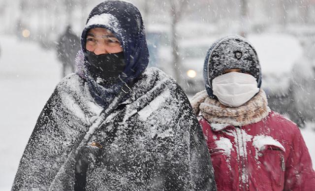 Bin 344 köy yolu kardan kapandı