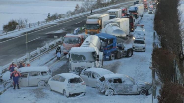 Akılalmaz kaza! 130 araç birbirine girdi